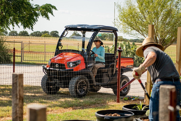 Kubota | Utility Vehicles | Mid-Size Utility Vehicles for sale at H&R Agri-Power