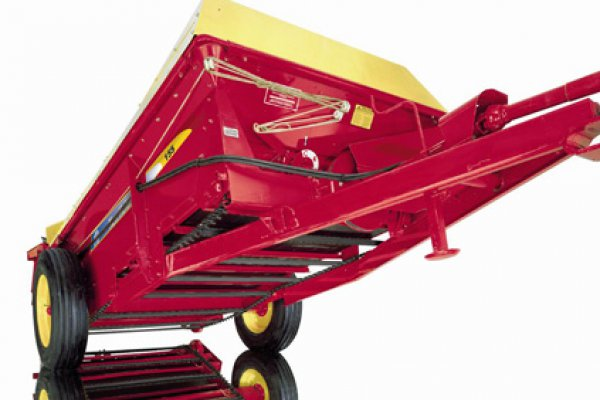 New Holland Ag Products | 100 Series Box Spreaders | Model 155 for sale at H&R Agri-Power