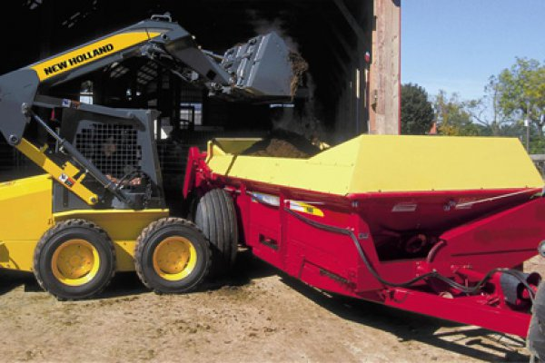New Holland Ag Products | 100 Series Box Spreaders | Model 165 for sale at H&R Agri-Power
