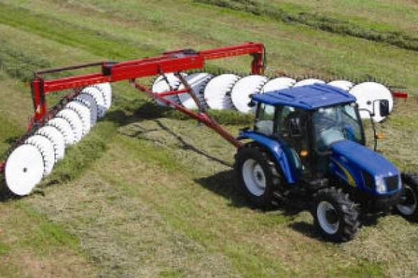 New Holland Ag Products | Haytools & Spreaders | Heavy-duty Wheel Rakes for sale at H&R Agri-Power