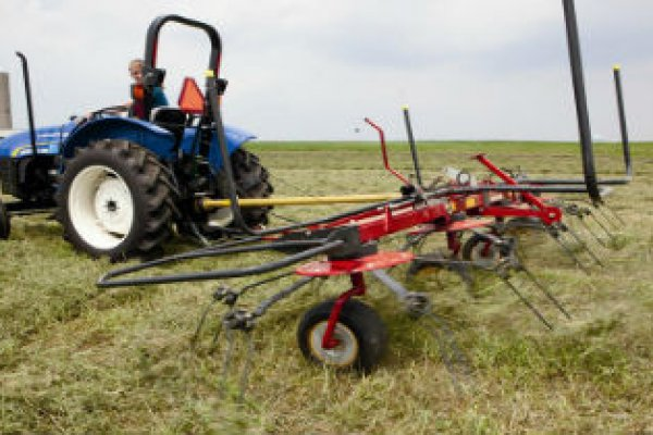 New Holland Ag Products | Haytools & Spreaders | ProTed Rotary Tedders for sale at H&R Agri-Power