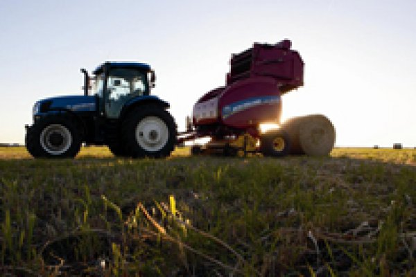 New Holland Ag Products | Haytools & Spreaders | Roll-Belt Round Balers for sale at H&R Agri-Power