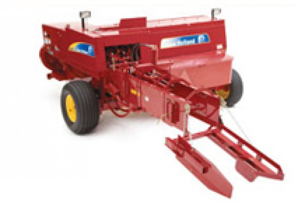 New Holland Ag Products | Haytools & Spreaders | BC5000 Series Small Square Balers for sale at H&R Agri-Power